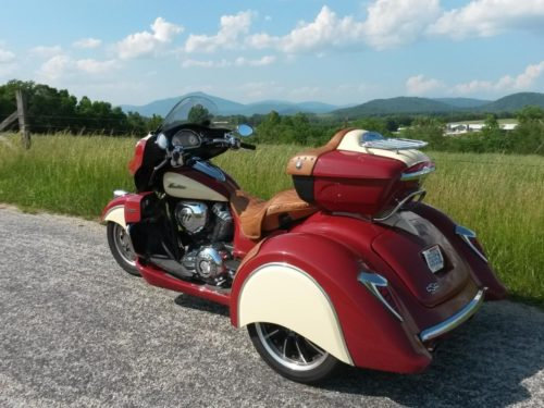 Trois-roues Indian Arrow | 2014 - présent INDIAN CHIEF MODELES; DARK HORSE, CLASSIC, VINTAGE, CHIEFTAIN, ROADMASTER