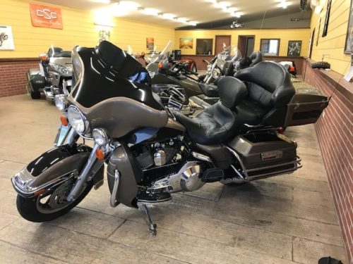 Harley-Davidson FLHTC 2004